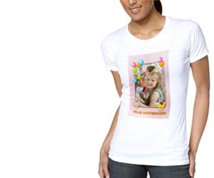 O que é uma<br/><strong>camiseta<br/>personalizada</strong>?
